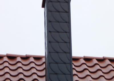 Foto: Schornsteinverkleidung | Schieferstruktur